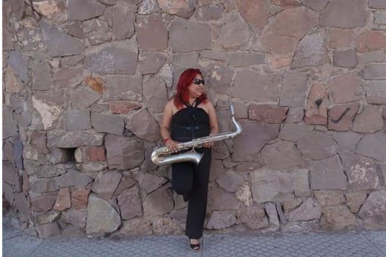 Ivonne Uribe: la saxofonista que rompe barreras