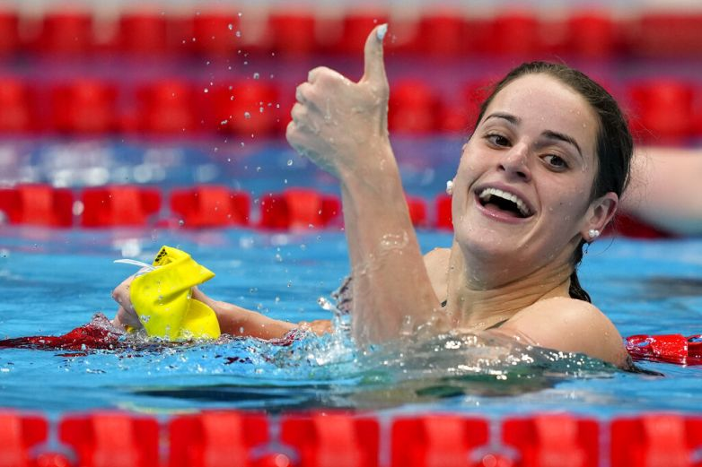 Australiana impone récord olímpico en 100 dorso