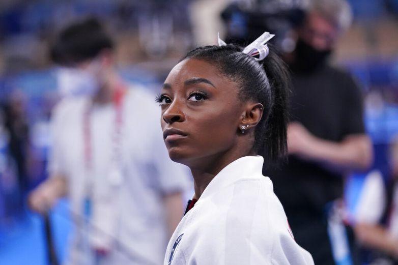 Se retira Simone Biles de la final de piso en Juegos Olímpicos