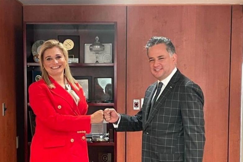 Se reúne Maru Campos con Santiago Nieto; van contra lavado de dinero