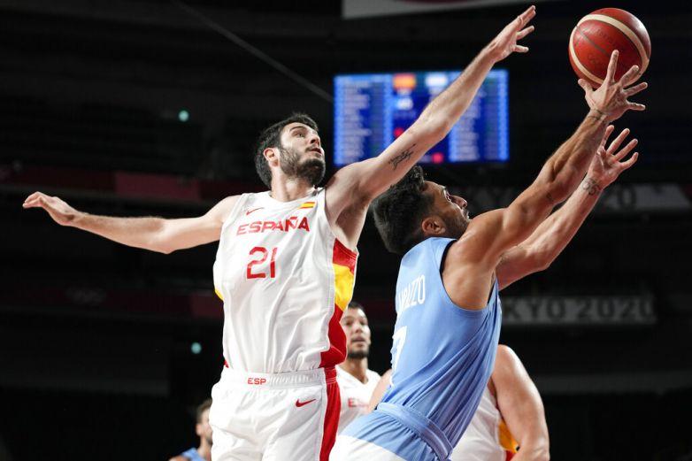 España deja a Argentina al borde del abismo en el basquetbol