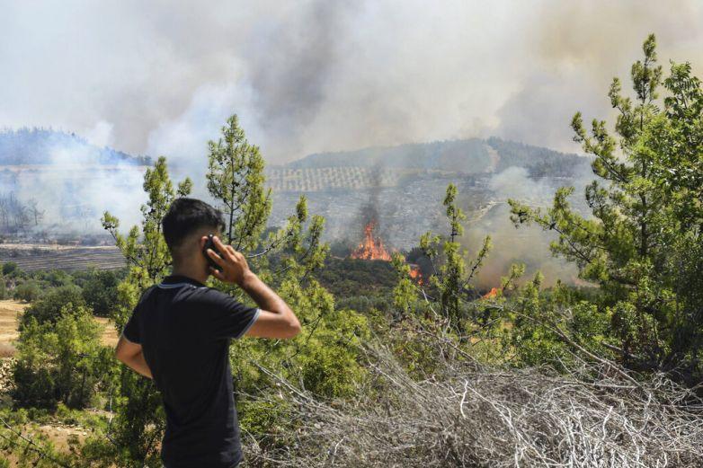 Turquía controla la mayoría de sus incendios forestales