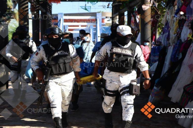 Ultiman a mando policial frente a turistas en Acapulco