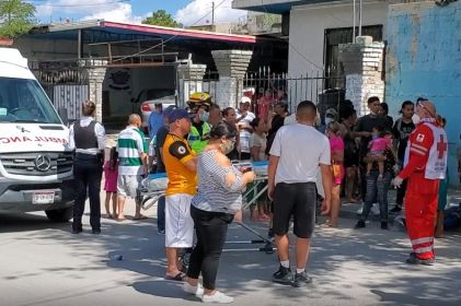 Arrollan a 11 personas que festejaban una Quinceañera