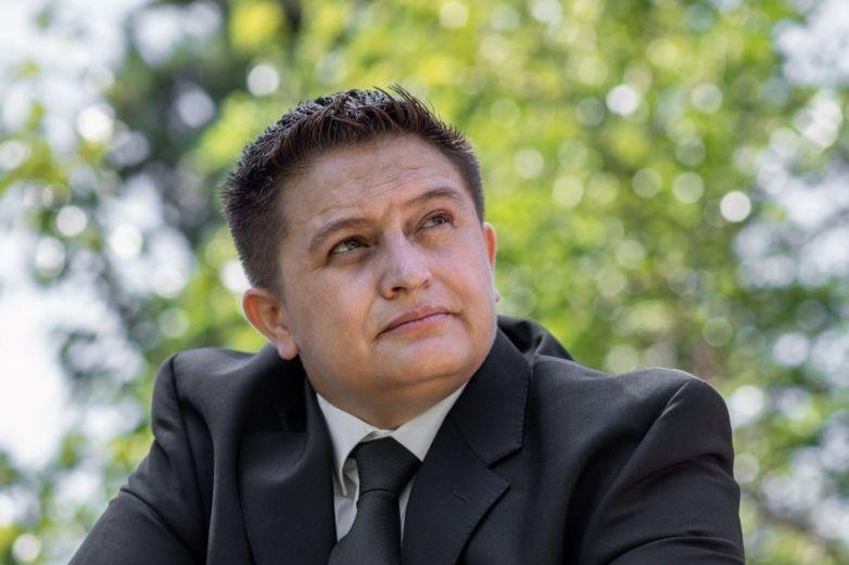 Erick Márquez lucha por los derechos de la comunidad sorda y LGBT+