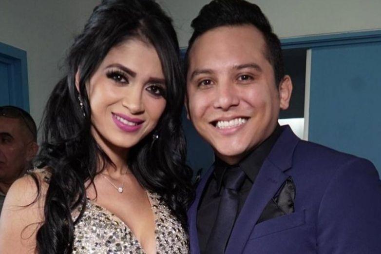 Con lágrimas suplica Edwin Luna a Kimberly Flores abandonar reality show