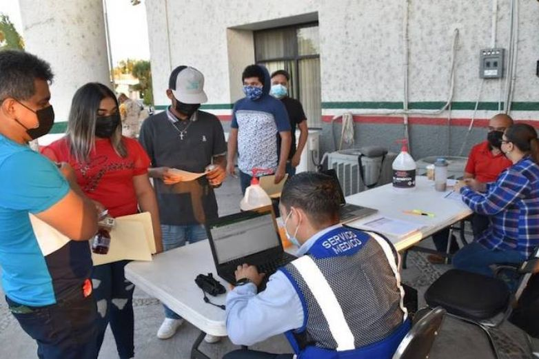 Inicia vacunación a menores de 18 años en Coahuila