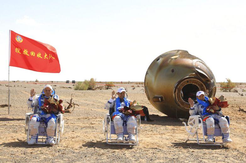 Video: Astronautas chinos vuelven a Tierra tras misión de 90 días