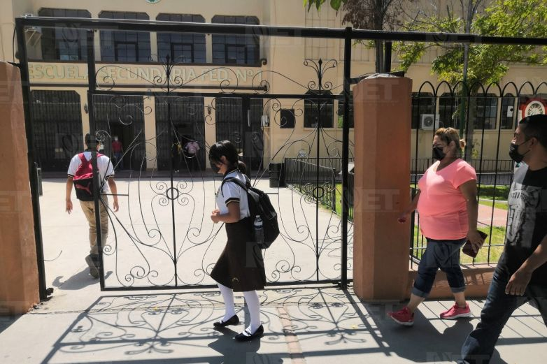Sanitizarán escuelas donde hubo contagios de Covid-19