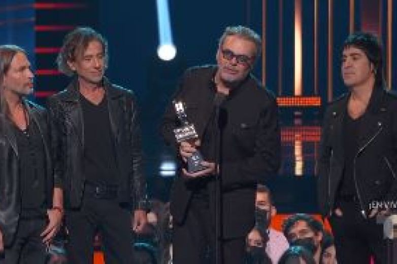 Recibe Maná el premio 'Billboard ĺcono'