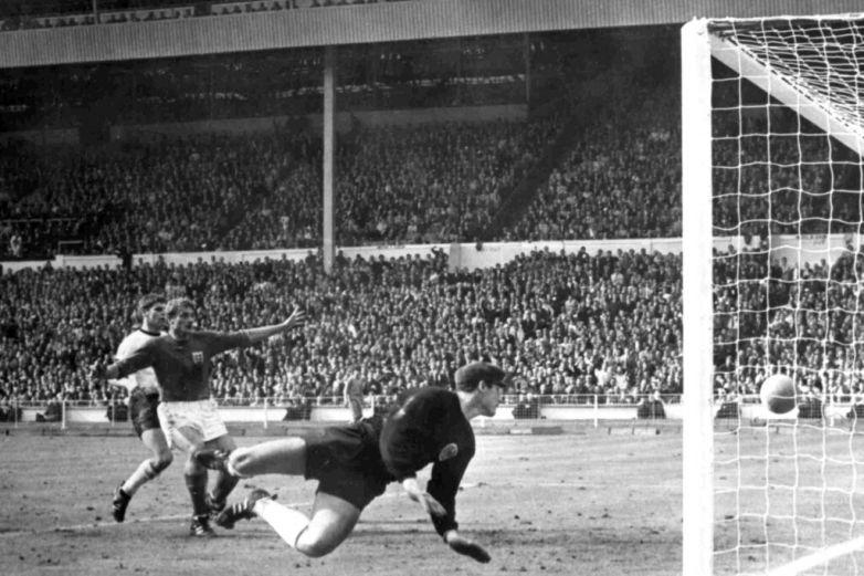 Fallece Roger Hunt, leyenda de Liverpool